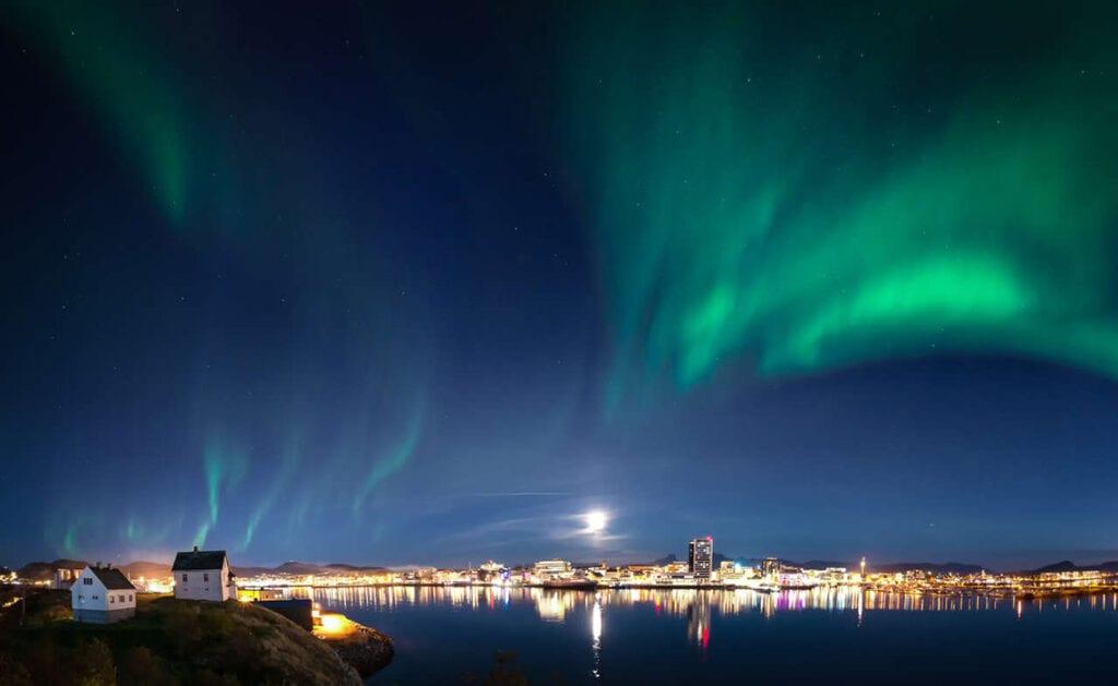 Noorderlicht zien in Brodø in Noord-Noorwegen - Travelvibe
