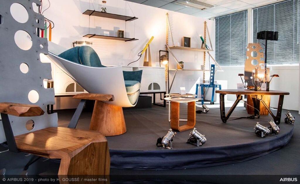 A piece of sky - meubels van vliegtuigonderdelen Airbus - Travelvibe