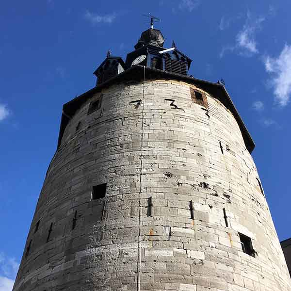 Belfort klokkentoren in Namen - Travelvibe