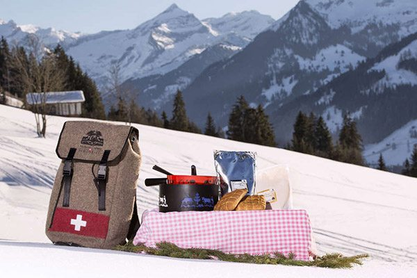Met de Fondue Backpack op pad in Fondueland Gstaad - Travelvibe