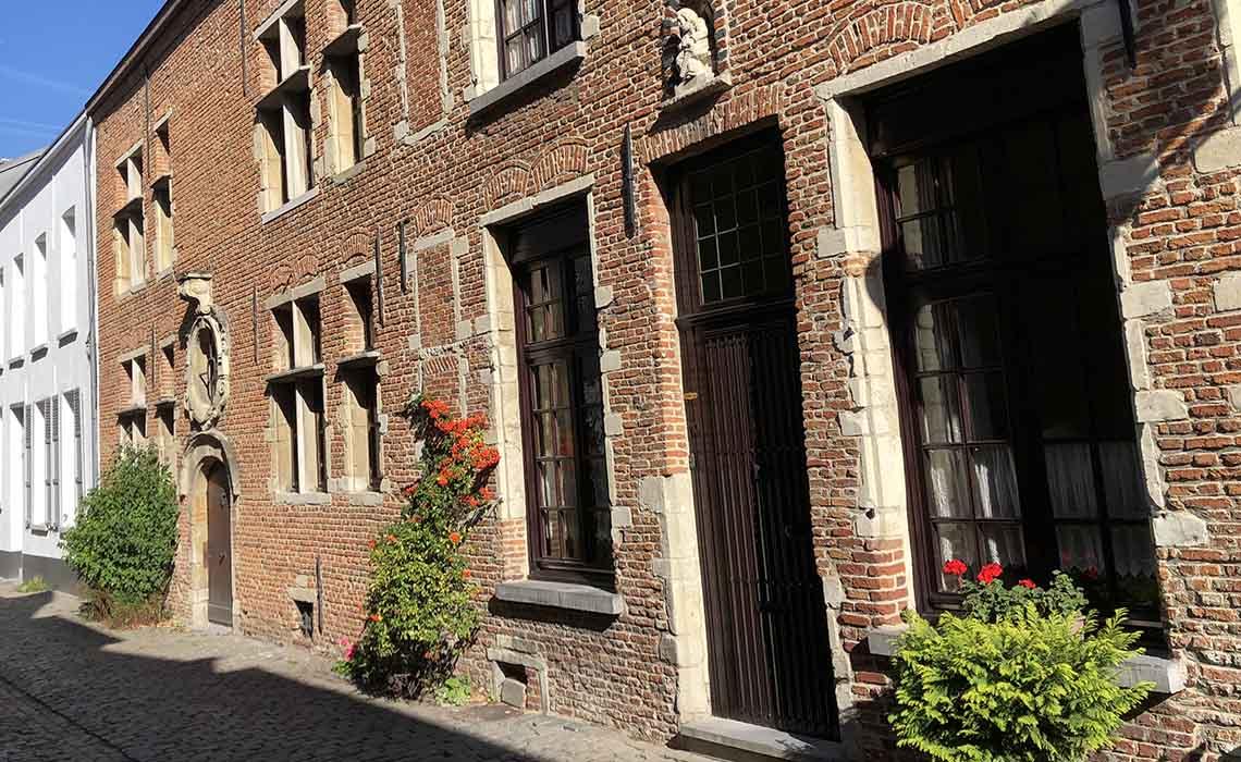 Grote Begijnhof Mechelen - Travelvibe