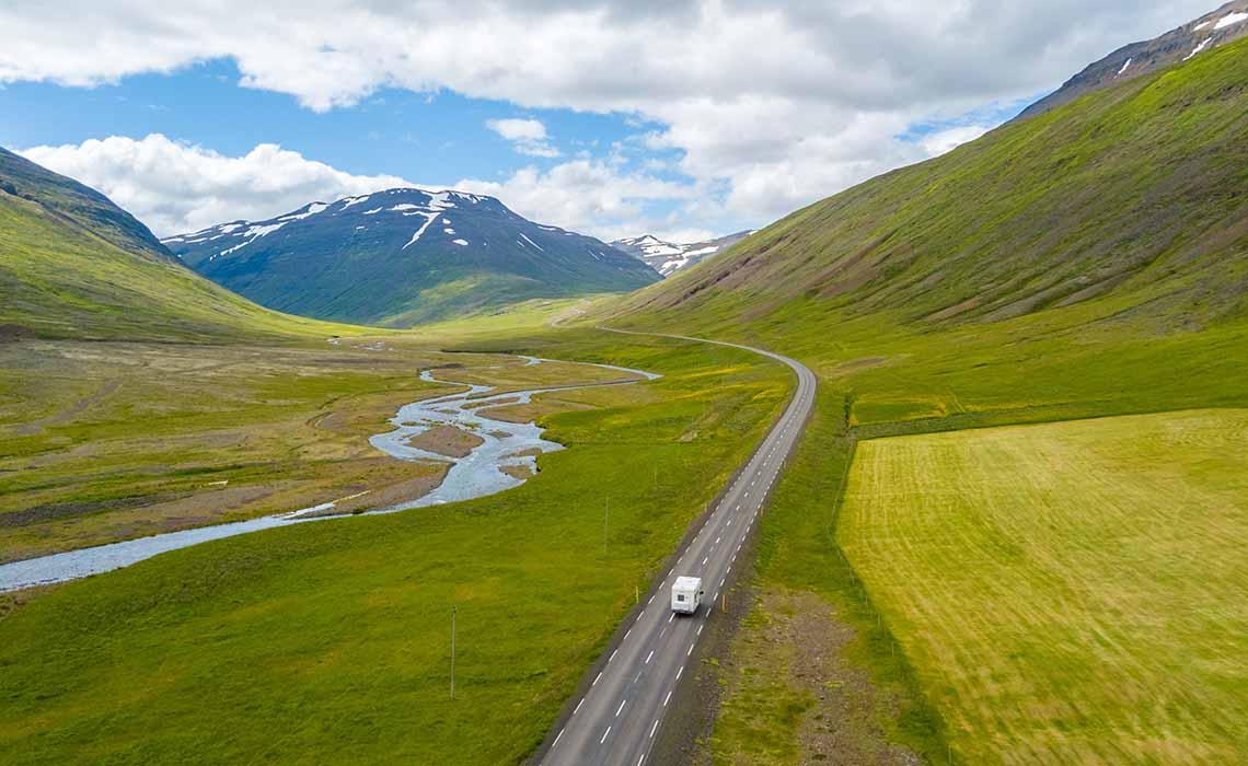 Landschap IJsland met camper - Travelvibe