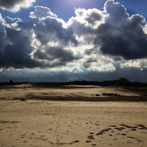 wolken en zand