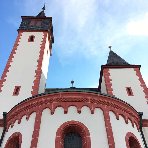 Kerk in Ingelheim - Travelvibe
