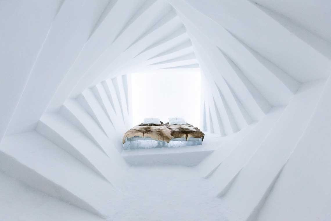 Slapen in een ijshotel in Scandinavië - witte kerst - Jukkasjarvi Icehotel - Travelvibe