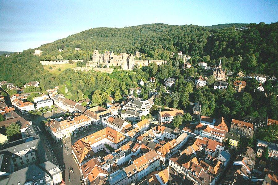 Koenigstuhl-Schloss-Mende | Travelvibe