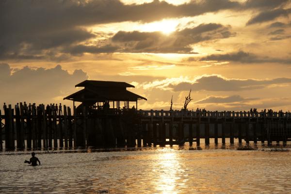 myanmar-pier-travelvibe