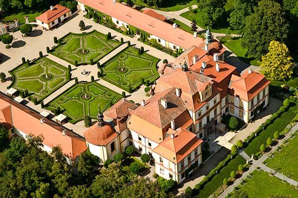 Overnachten in Jemniste kasteel Tsjechie - Travelvibe