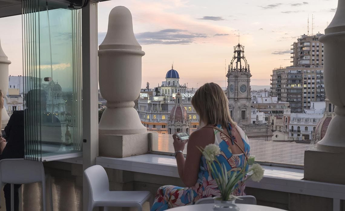 Rooftop bar in Valencia - ateneo-mercantil-VV - Travelvibe