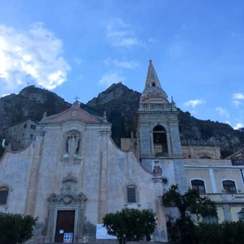 Taormina kerk