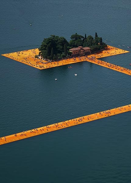 The Floating Piers op het Iseomeer - Travelvibe