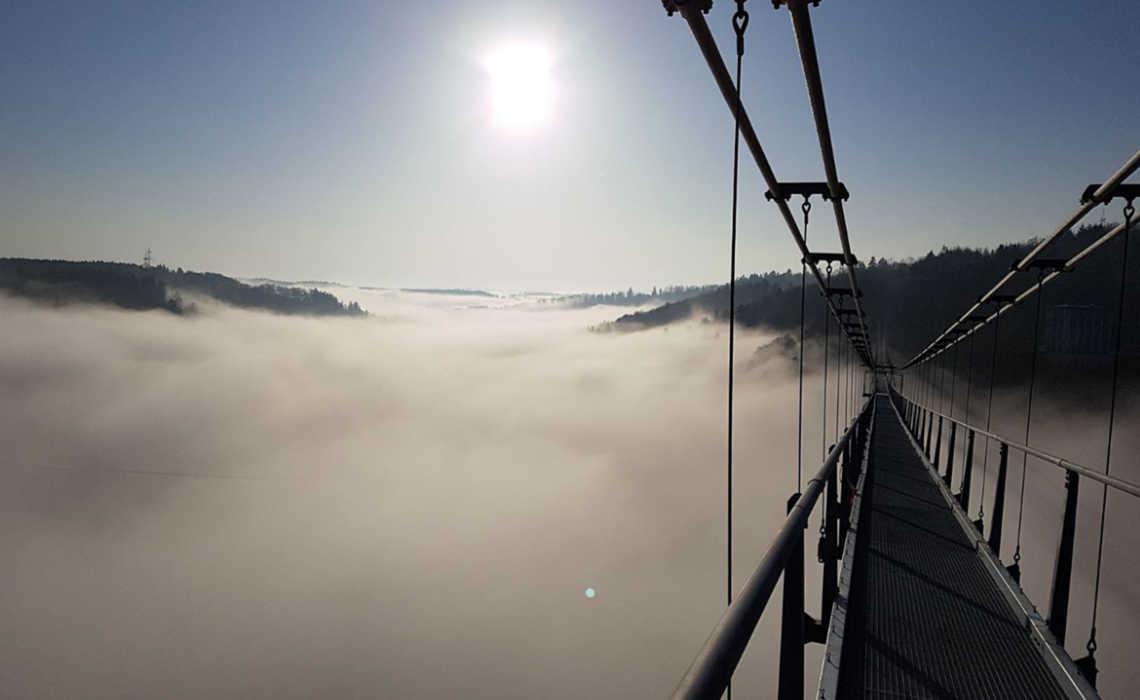 Titan RT hangbrug