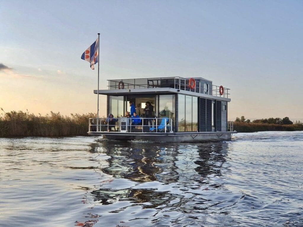 slapen op het water Friesland