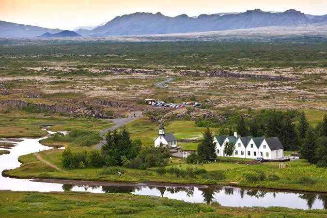 Visit Iceland - Travelvibe