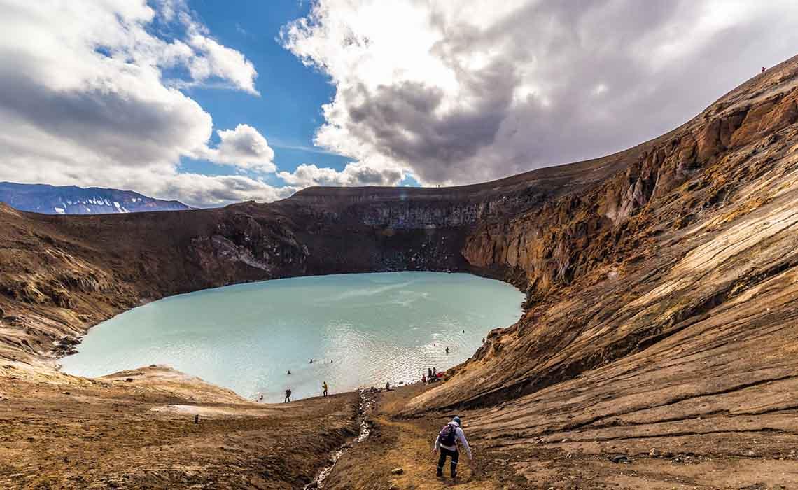 Waarom naar IJsland- vulkaan Askja warmwaterbron - Travelvibe