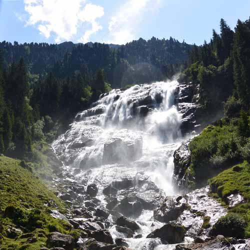 Grawa Wasserfall Stubai - Travelvibe