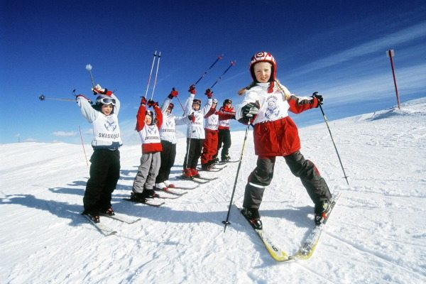 wintersporten-in-noorwegen-travelvibe