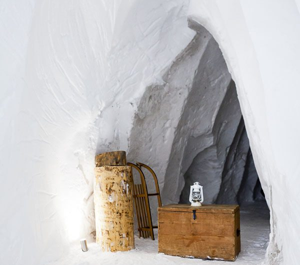 gave wintersport tip slapen in een iglo in frankrijk travelvibe. Black Bedroom Furniture Sets. Home Design Ideas