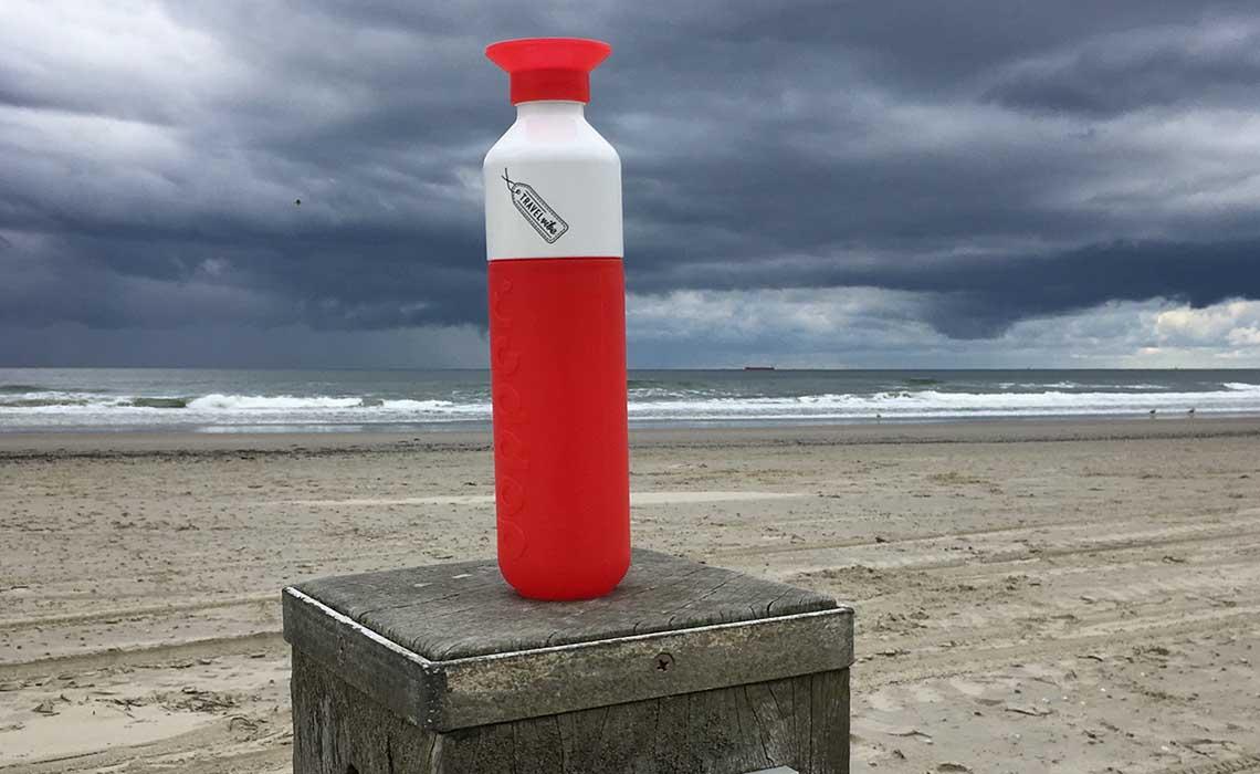 dopper mee minder plastic op vakantie - travelvibe