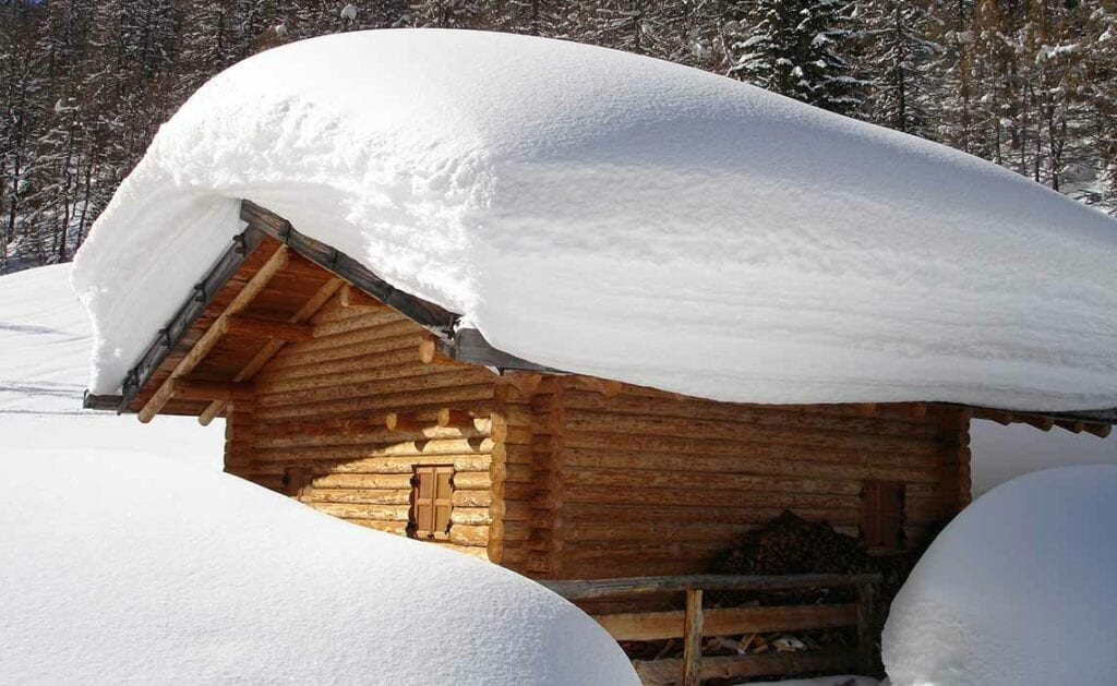 extreme sneeuwval Oostenrijk sneeuwdump - Travelvibe