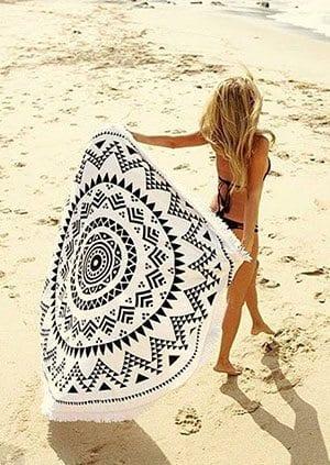 roundie-beachtowel-travelvibe