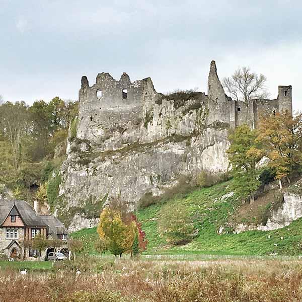 ruine van Montaigle Ardennen Namur-Dinant - Travelvibe