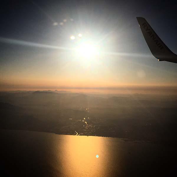 Voordelig vliegen - Travelvibe