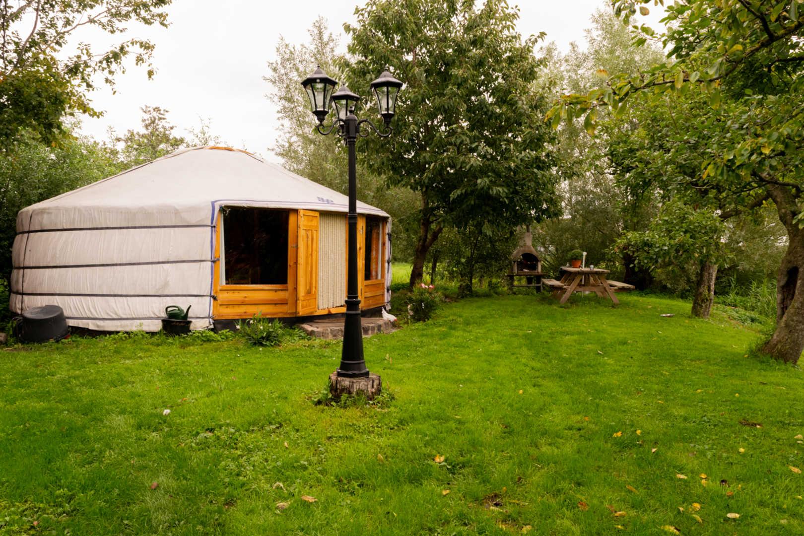 bijzondere kampeerplekken, slapen in een yurt